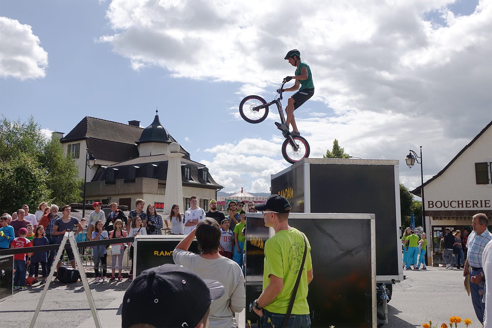 Animations freestyle vtt trial street spectaculaires