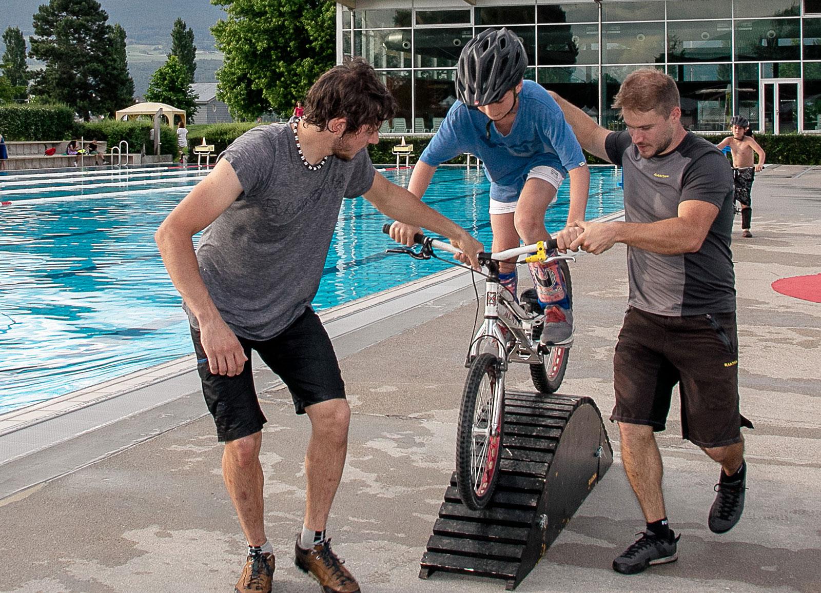 initiations bike, vtt, trial et BMX avec encadrement par un athlète professionnel